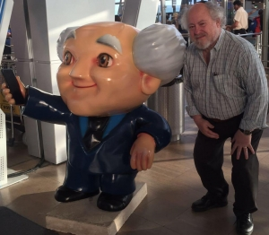 Jeff Jagoda seen posing with a statue of a similarly bald, but not nearly as smart, physicist